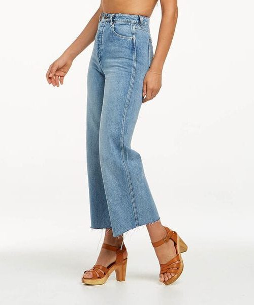 Hi Bells Flared Jean Cropped Amplified