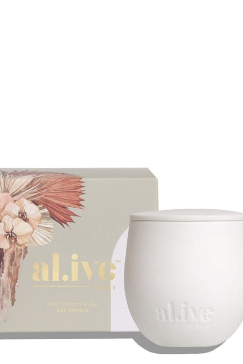 Sweet Dewberry And Clove Candle Alive Body